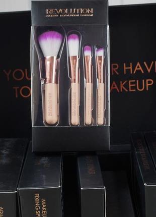Набор кистей для макияжа makeup revolution pro go brushes 2018.
