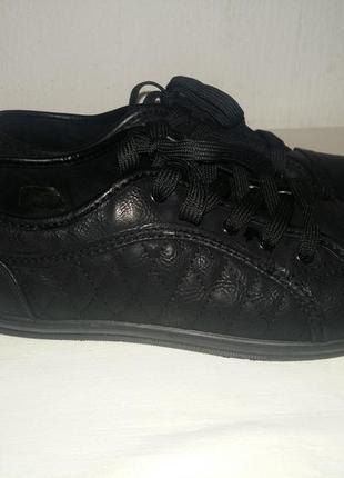 Очень удобные демисезонные туфли, мокасины