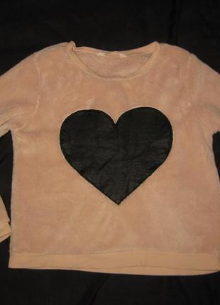 165 рост, нежный махровый свитер пайта  с кожаным сердечком от h&m