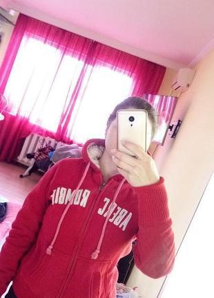 Красная кофта с капюшоном abercrombie & fitch