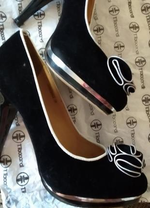 Красивейший туфли на каблуке2 фото