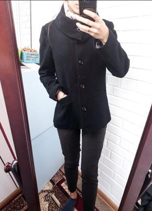 Шерстяное весенее пальто h&m полупальто с воротником плотное структурированое