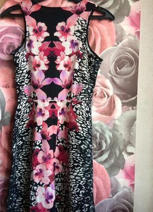 Красивенное платье в цветы h&m