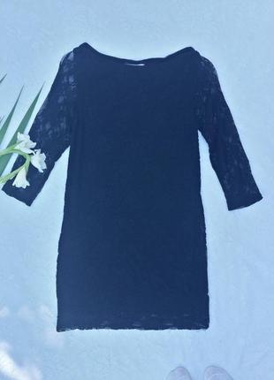 Черное гипюровое платье по фигур