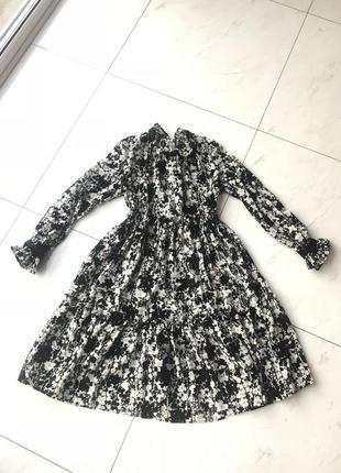 Нежное шифоновое платье в цветочек1 фото
