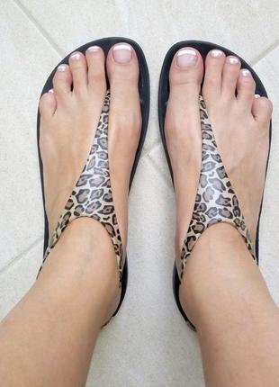 Вьетнамки,сандалии,босоножки женские леопардовые crocs sexi flip -100% оригинал