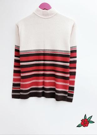 Добротный свитер с горлом ткань в рубчик