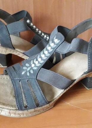 Rieker 38 p.  фирменные босоножки сандалии