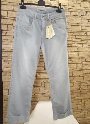 Серо-голубые женские джинсы1 фото
