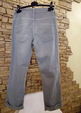 Серо-голубые женские джинсы4 фото