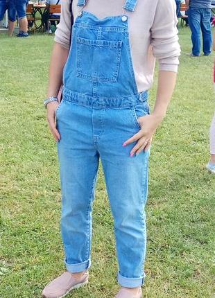 Крутой, стильный джинсовый комбинезон! s-m.