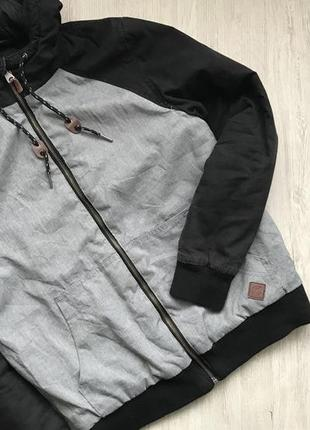 Актуальна демисезонная куртка fsbn