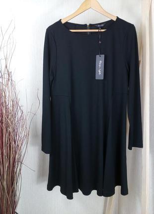 Базовое чёрное осеннее платье