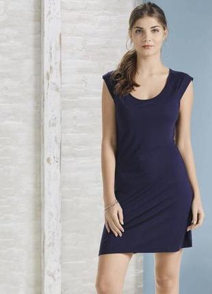 Легкое трикотажное платье-туника esmara
