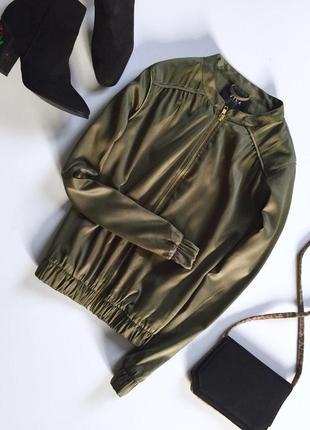 Актуальная шифоновая  куртка бомбер