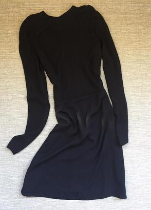 Классическое черное платьице с красивой спинкой