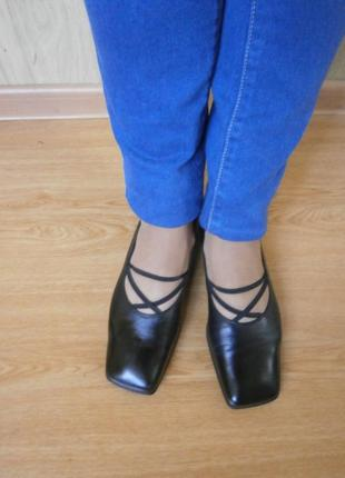 Брендовые туфли/нат.кожа/низкий ход/ италия /25 см