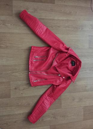 Кожаная косуха куртка stradivarius