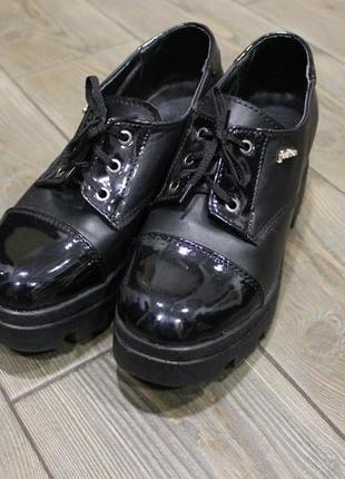 Отличные кожаные туфли оксфорды дерби на платформе