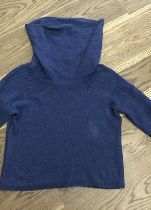 Укорочённый свитер с большим горлом
