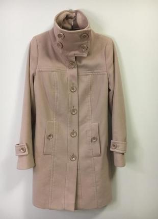 Стильное пудровое пальто love republic