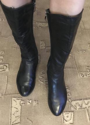 Женские демисезонные сапоги на низком каблуке 39 размер5