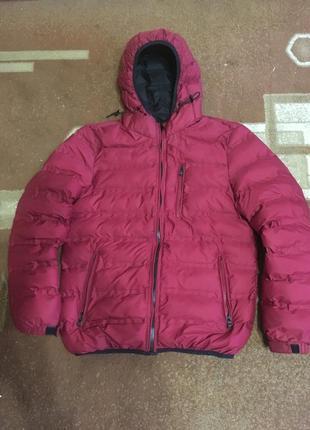 Классная зимняя куртка на подростка ,наполнитель халафайбер