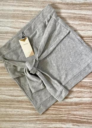 Короткая юбка bershka