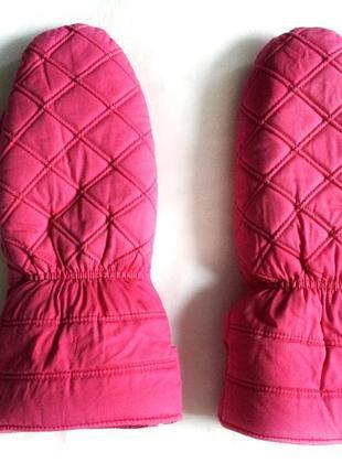 Розовые лыжные варежки на белом меху