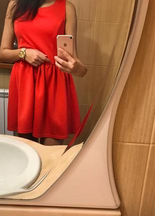Платье коктейльное,пышное, короткое( красное, коралловое)