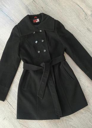 Классическое кашемировое пальто приталенное под пояс