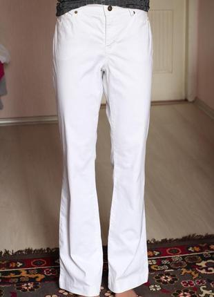 Белые джинсы с легким клеш 14 размер 40  л хл heine