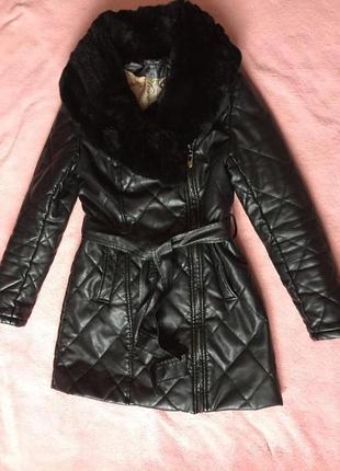 Зимнее пальто из кож зама. натуральный мех.