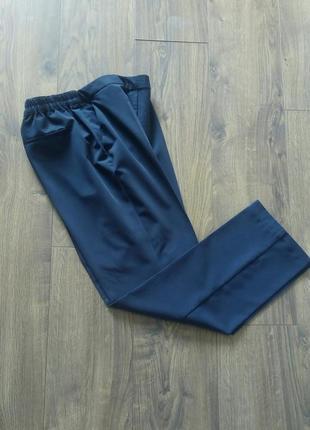 Темно-сині фірмові завужені класичні брюки завишена талія (damart)
