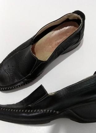 Легкие туфли на танкетке made in italy