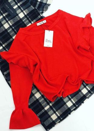 Объёмный свитер с воланами zara