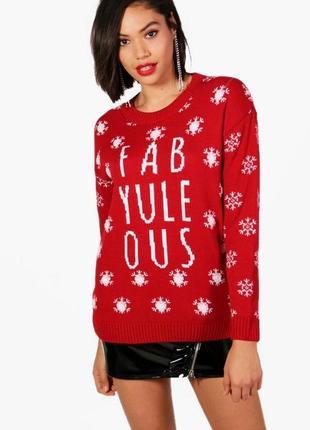 Красный свитер в новогоднем, рождественском стиле