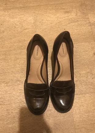 Туфли кожаные на каблуке