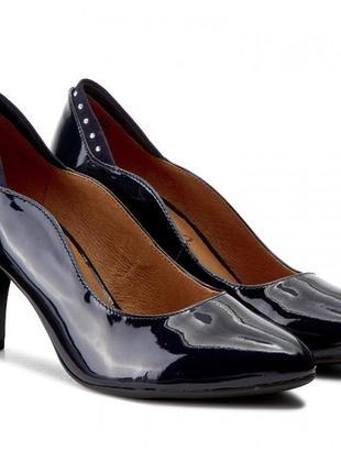 Туфли из натуральной кожи немецкого бренда caprice темно-синие, р. 38. 5, 40