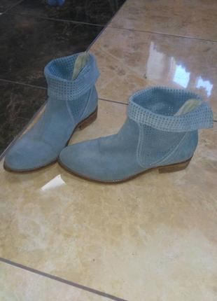 Перфоровані черевики tamaris