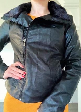 Демисезонная утеплённая курточка косуха oodji