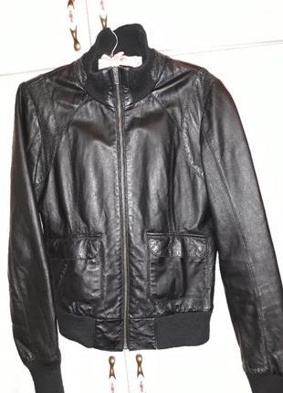 Крутая кожаная курточка . натуральная кожа