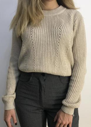 Бежевый укорочённый свитер h&m