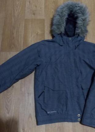 Крутая куртка в спортивном стиле. columbia