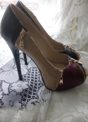 Крутые кожаные туфельки 38р-25см