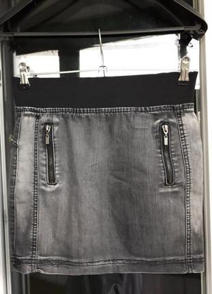 Джинсовая юбка мини gloria jeans серая широкая резинка