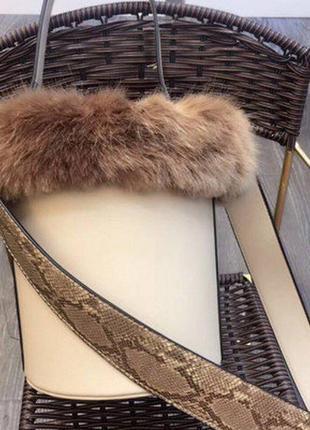 Шикарная необычная круглая модельная сумка боченок с мехом
