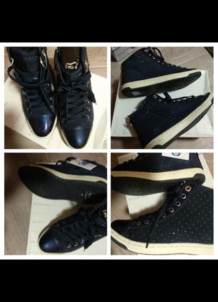 Geox осінні черевики 37,39розміри ,замш,шкіра лак