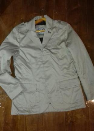 Куртка пиджак качественная стильная на стеганой подкладке