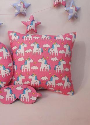 Двухсторонняя декоративная подушка из плюша и хлопка - единороги